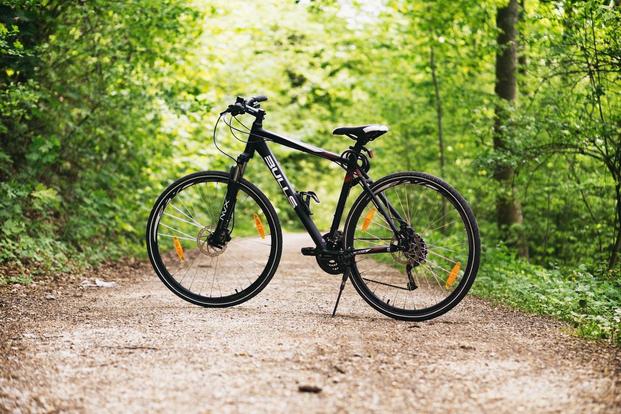 Jak podnieść kierownicę w rowerze?