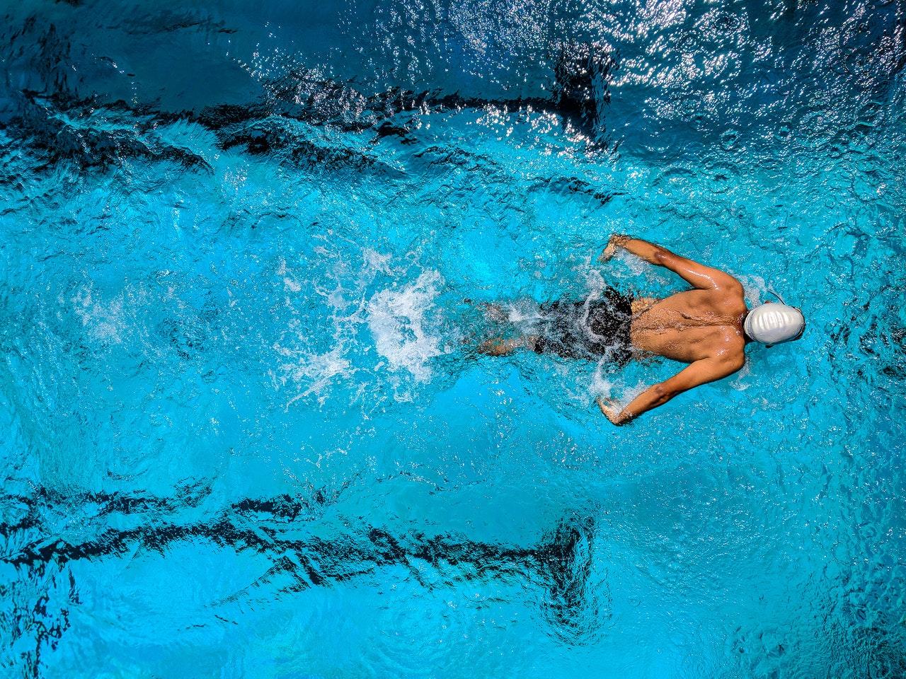 Jakie korzyści przynosi pływanie?